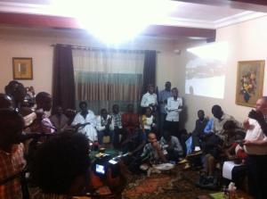 """Le salon de l""""Ambassadeur de Roumanie a servi de lieu d'échange pour les blogueurs Sénégalais"""